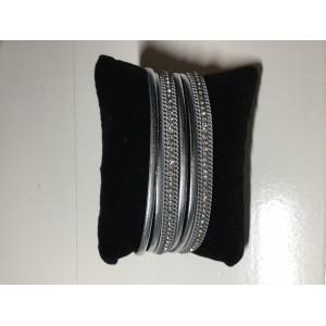 Armband wikkel zilverkleurig.