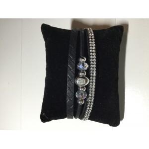 Armband met steentje zwart.
