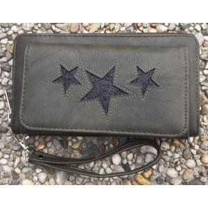 B portemonnee met ster en vakje groen.
