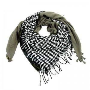 Sjaal met veelzijdige print groen.
