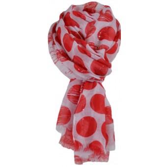 Sjaal met rode stippen.
