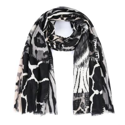 Sjaal mix dierenprint zwart.