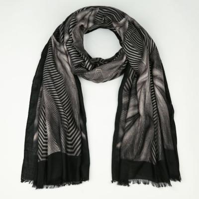 Sjaal 747 black.