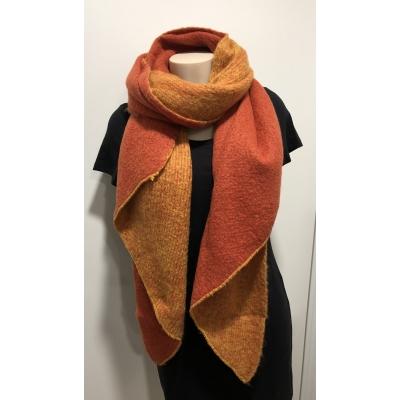 Warme sjaal met punt 2 kleuren oranje/geel.