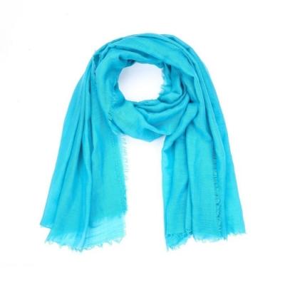 Effen sjaal lichtblauw.