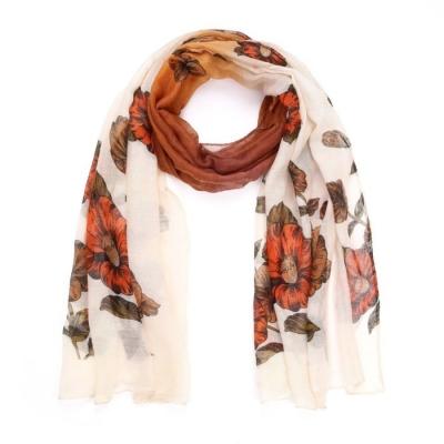 Sjaal bloemen bruin.