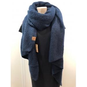 Warme sjaal met schuine punten donkerblauw.
