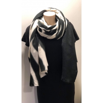 Warme sjaal zebra zwart.