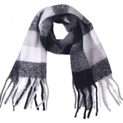 Warme ruit sjaal zwart/ grijs.