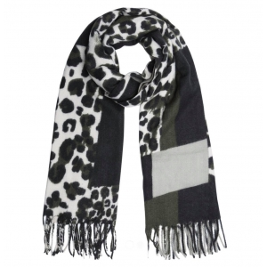 Warme panterprint sjaal olijf.
