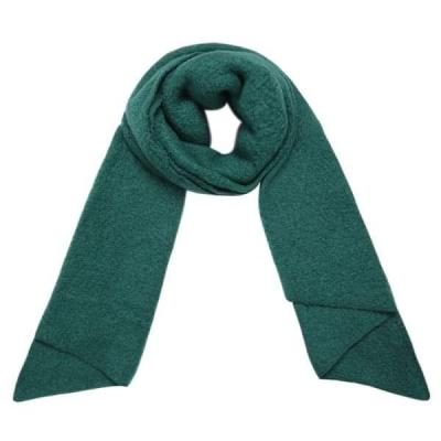 Warme sjaal met punt petrol.
