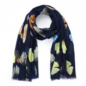 Sjaal bloemen donkerblauw.