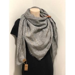 Vierkante sjaal grijs met studs.