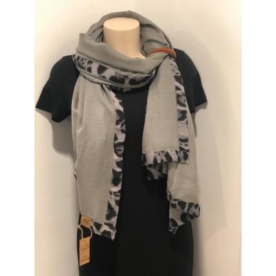 Sjaal Fantastic grijs.